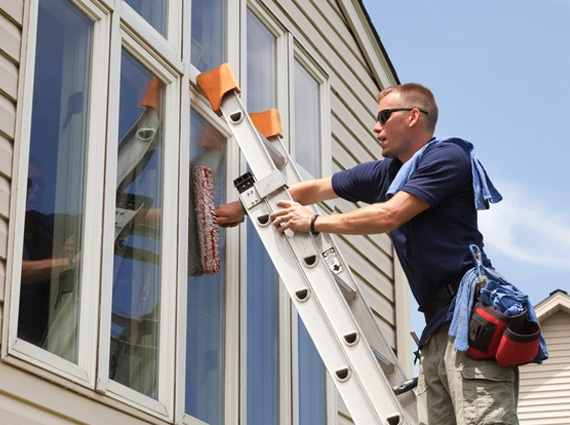 finding professional window cleaning services